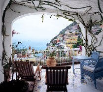 rooms-with-amazing-view-29__880